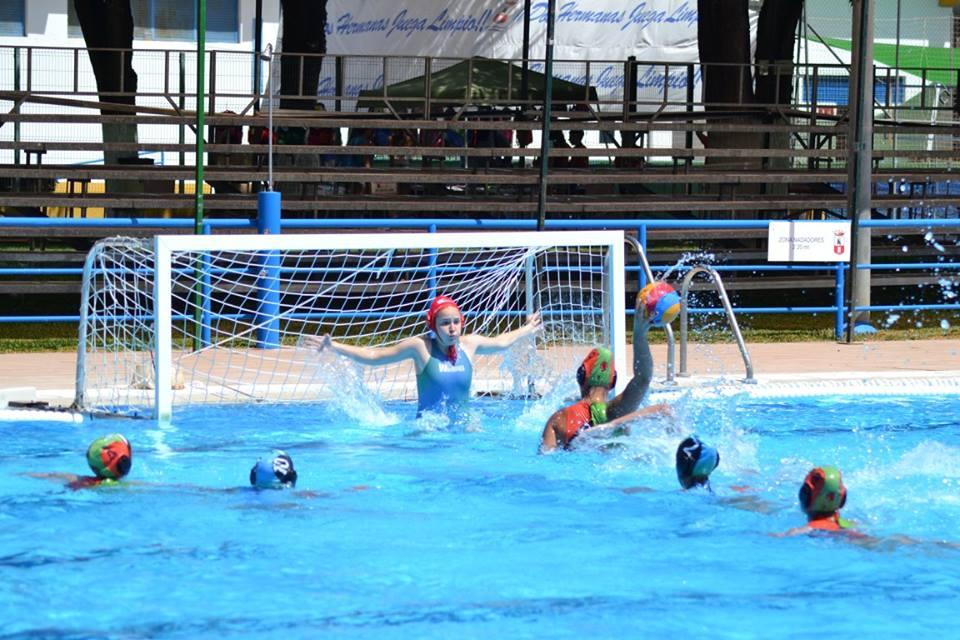 El Campeonato de España juvenil femenino de waterpolo, en Dos Hermanas